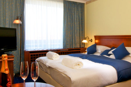होटल कोम्पास