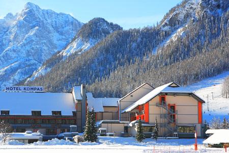 מלון קומפאס