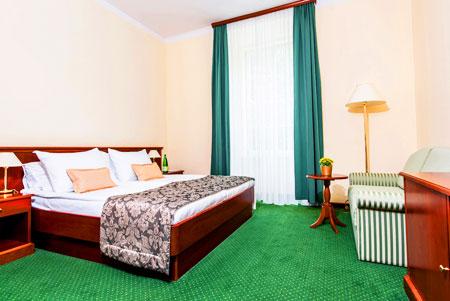 罗加斯卡大酒店